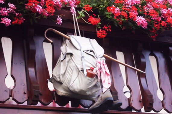 Rucksack am Balkon